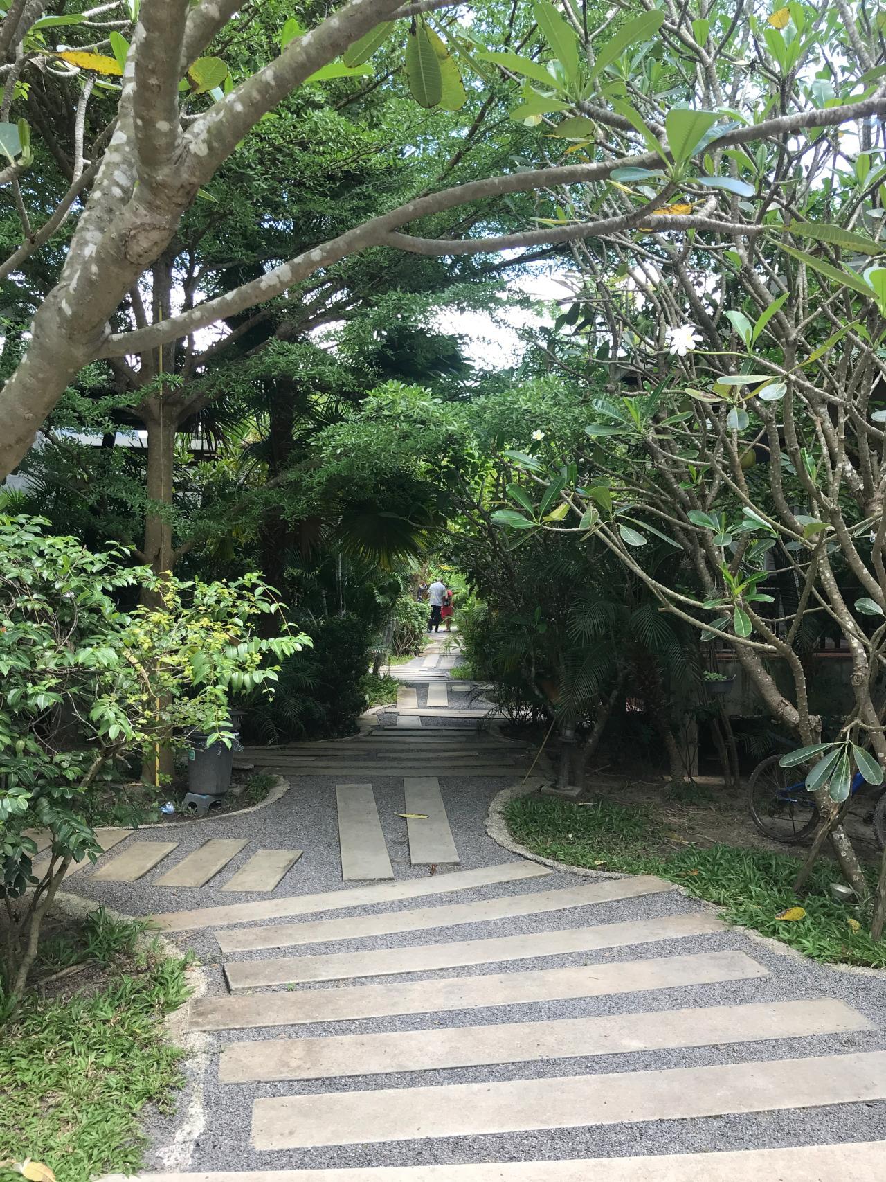 Center Town Resort  Thongsala